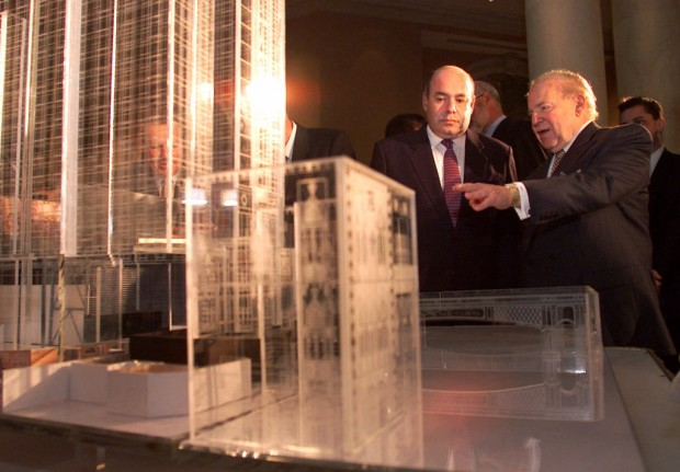 Sheldon Adelson showing a model of the Venetian, his Las Vegas hotel, to a visiting Russian official, Mikhail Shvydkoi