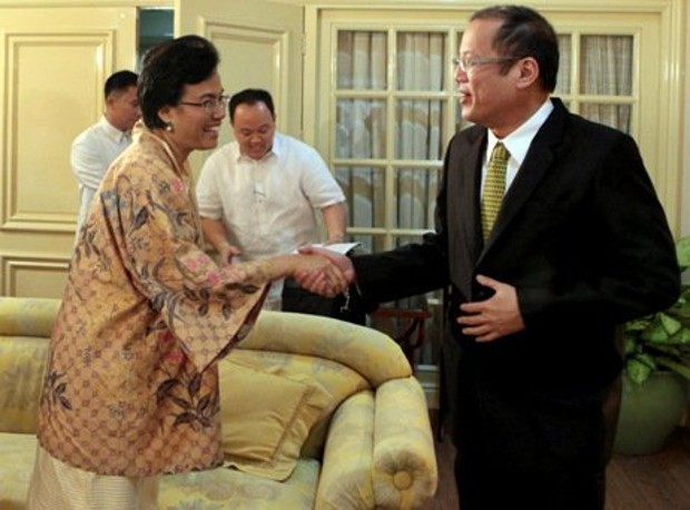 Sri Mulyani Indrawati With Philippine President Benigno Aquino III