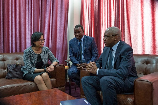 Sri Mulyani Indrawati meets with Democratic Republic of Congo Minister of Finance Henri Yav Mulang