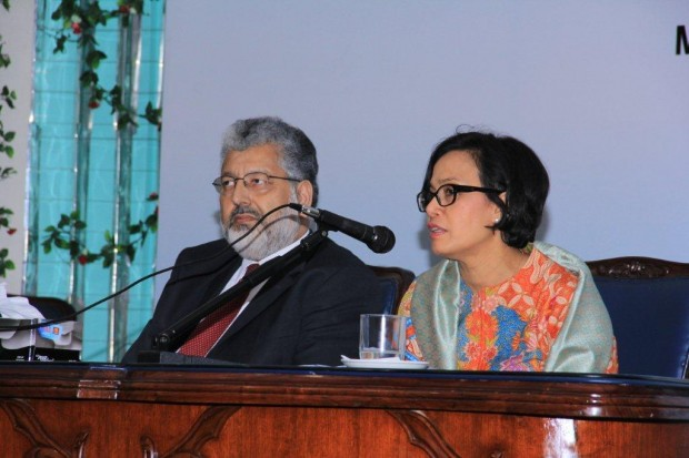Sri Mulyani Indrawati with Dr. Mukhtar Ahmed