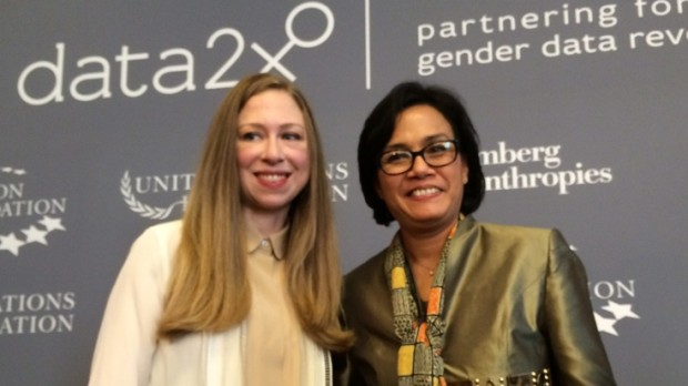 Sri Mulyani Indrawati with Chelsea Clinton at the Data2X event