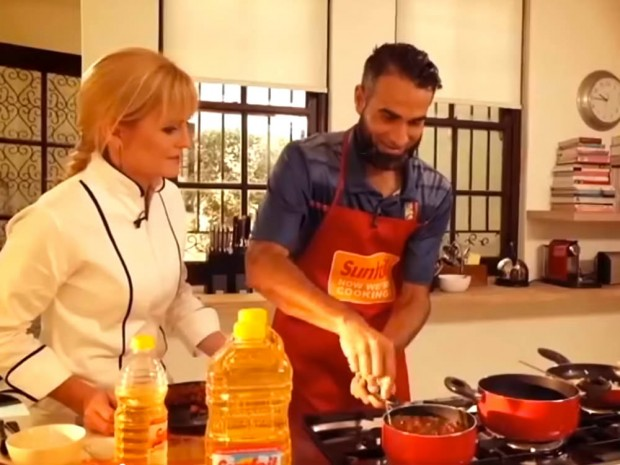 Cooking Curry Mince Bobotie with Imran Tahir