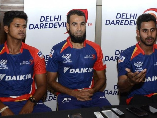 Delhi Daredevils players Shreyas Iyer, Imran Tahir and Manoj Tiwari