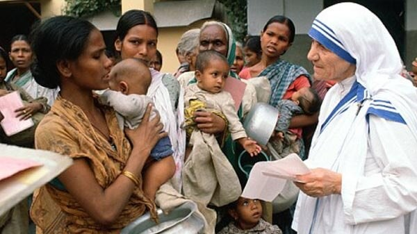 Mother Teresa with People