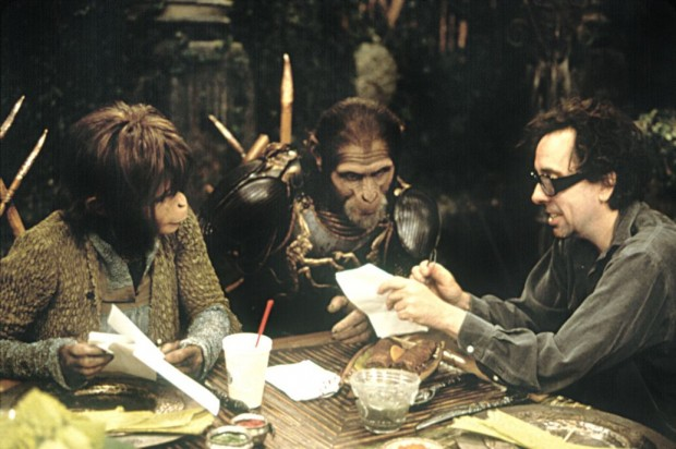 Tim Burton With Helena Bonham Carter and Tim Roth on the set of 'The Planet of the Apes'