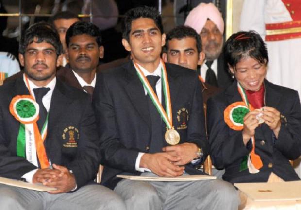Vijender Singh with Sushil Kumar, Mary Kom, Gautam Gambhir during Khel Ratna Awards