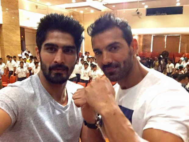 Bollywood Stat John Abraham with Indian boxer Vijender Singh