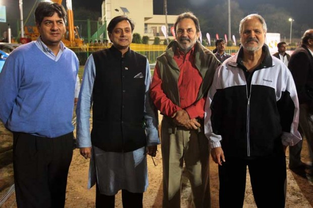 Shashi Tharoor with Dr. Prannoy Roy and Vikram Chandra