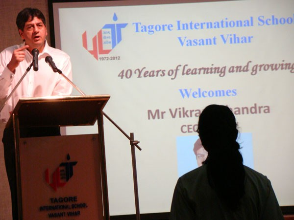 NDTV CEO Vikram Chandra Speaking to Students at Tagore International School