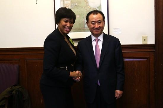 Wang Jianlin meets with Mayor of Washington DC