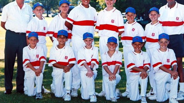 David Warner in his childhood with his school team