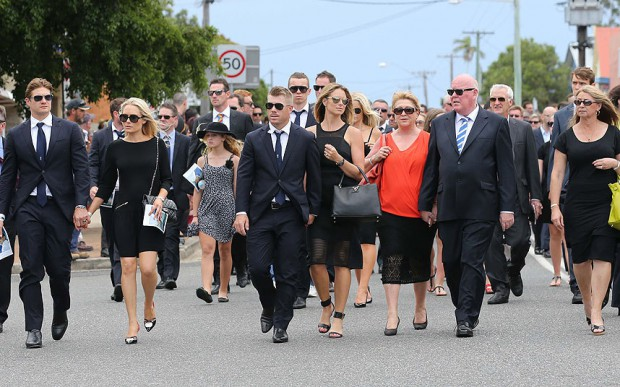Warner for Funeral of Phill Hughes along with other cricketers and supporters