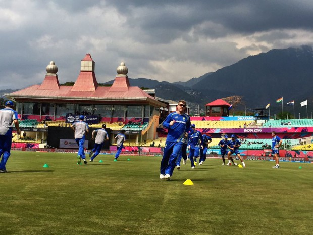 Warner during practice session at Dharam Shala ground