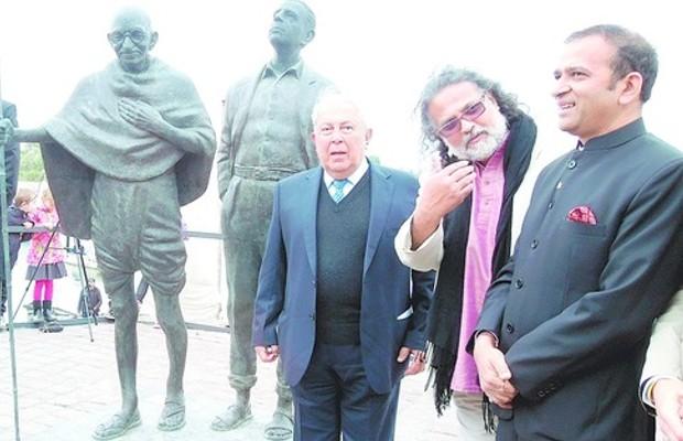 Yusuf Hamied with Tushar Gandhi and Indian ambassador Ajay Bisaria