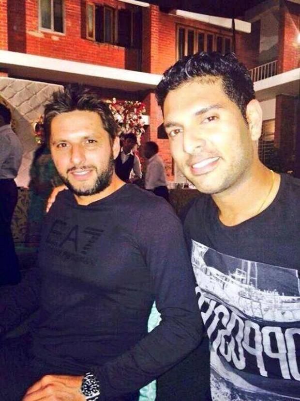 Yuvraj Singh With Shahid Afridi