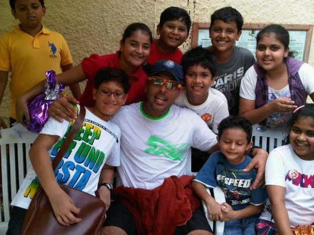 Yuvi with kids at the Mumbai Gymkhana