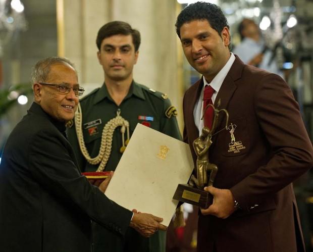 Yuvraj Singh recieves Arjuna Award