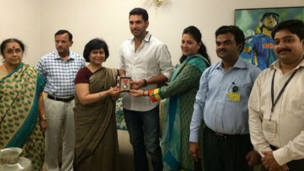 Yuvraj Singh receives the Padma Shri Award