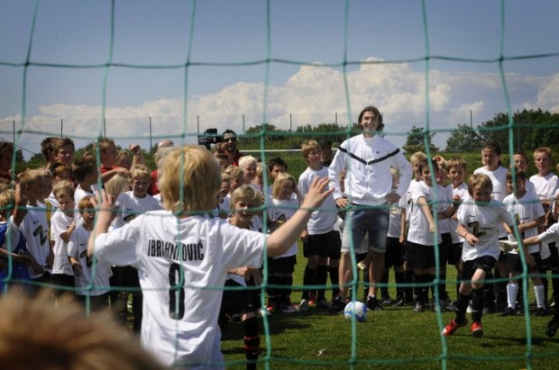 Ibra with kids at his camp