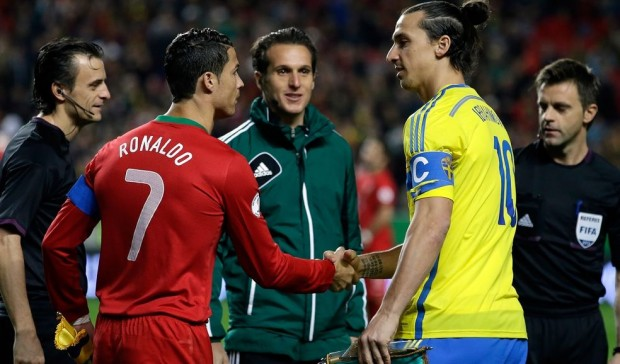 Cristiano Ronaldo shaking hands with Ibra
