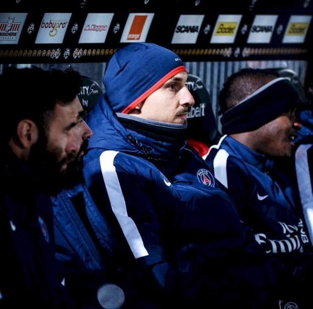 Zlatan Ibrahimovic in PSG Dugout