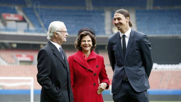Zlatan Ibrahimovic with King Carl XVI Gustaf and Queen Silvia of Sweden