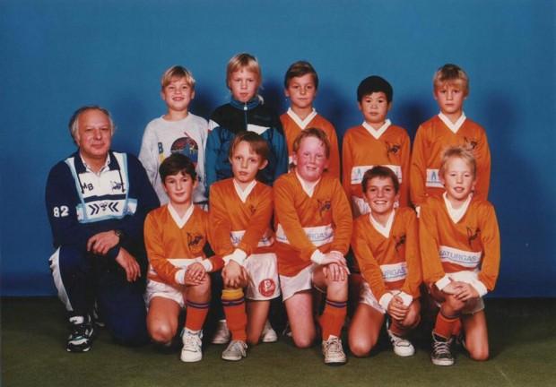 Zlatan Ibrahimovic with his team in childhood